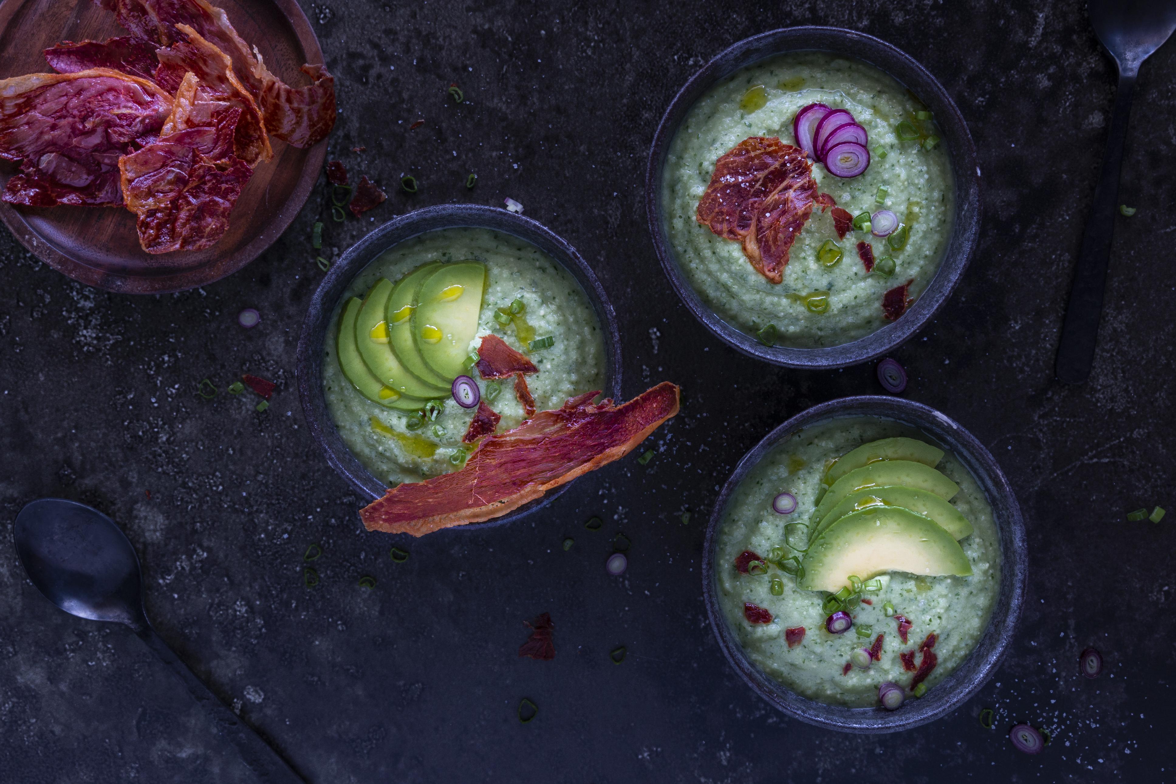 Gurke-Avocado-Suppe-mit-Minze
