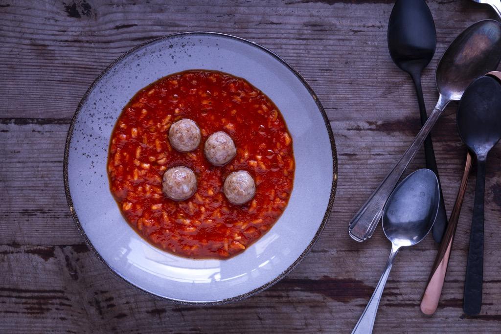 einfache-Tomatensuppe-mit-reis